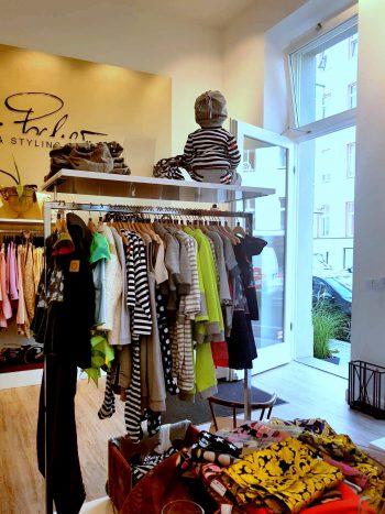 Flagship-Store-Bild-3-350x467